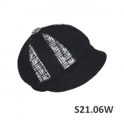 S21.06W - Sewn cap with a...
